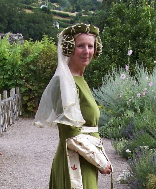 105 Best Images About Renaissance Sewing Patterns On Pinterest: 25 Best Images About Medieval Costuming On Pinterest