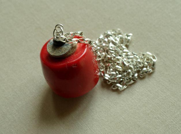 Ketten lang - 925er Silber Anhanger mit Koralle - ein Designerstück von Tilia_ bei DaWanda
