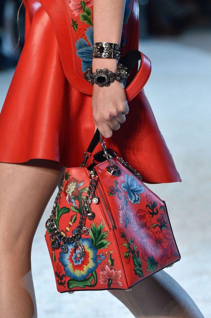 Spotlighting the Best Bags from Paris Fashion Week Spring 2019 ... 647b746053113