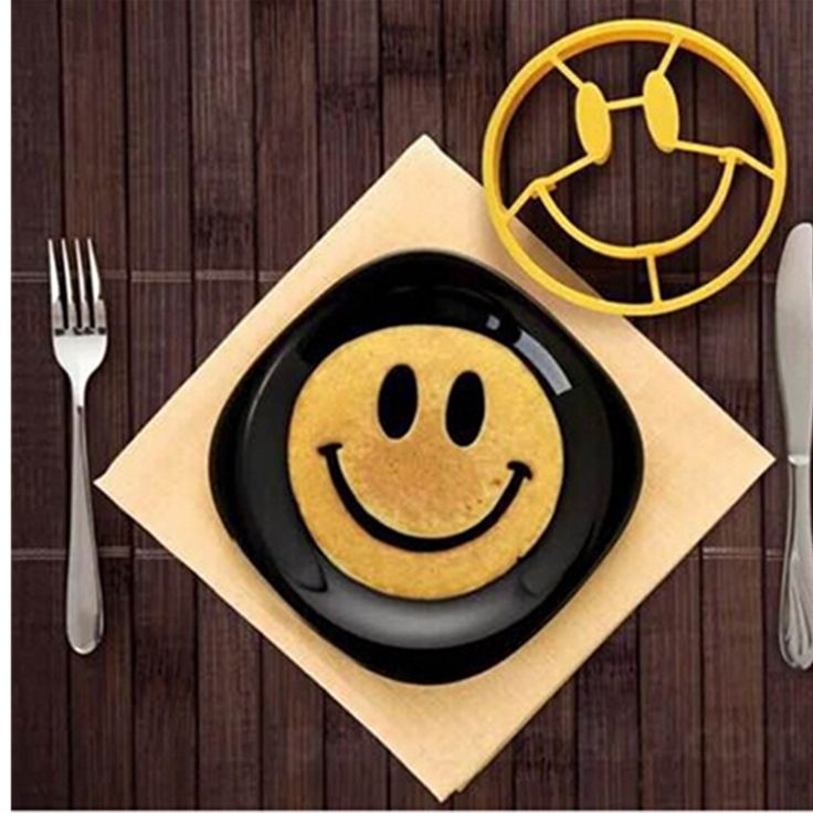 Silicone Smiley egg mold #kitchen #home http://kgspot.com/index.php/product/silicone-smiley-egg-mold/