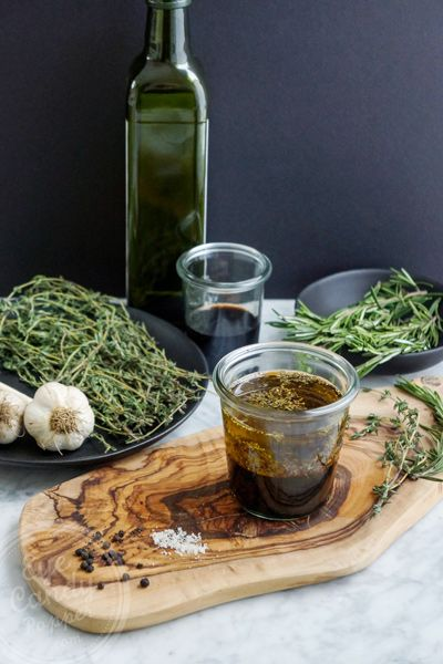 Summer air of Provence in my salad (balsamic herb dressing). Only 4 ingredients, ready in a few minutes!