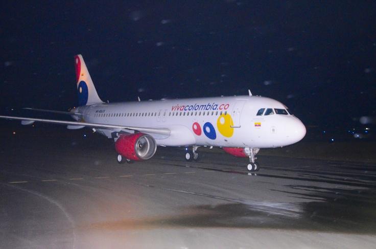 HK4861 de VivaColombia, la primera y única aerolínea bajo costo de Colombia