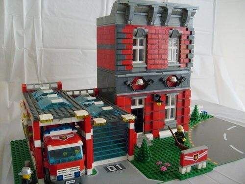 Fire Department: A LEGO® creation by Denis Michaud : MOCpages.com - Now that looks really clever.