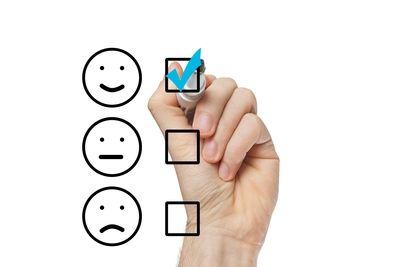 Al iniciar una empresa normalmente se tienen en cuenta los productos o servicios, cómo se van a vender, cuál es el mercado objetivo, cuantos puntos de venta habrá disponibles, cómo diseñar una página web, en qué redes tener presencia, plantear su #estrategia de #marketing, etc. pero poco se habla realmente del tema de servicio al cliente.