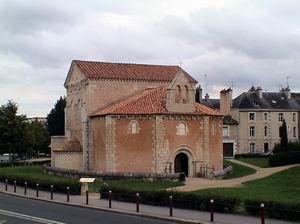 10- baptistère de poitiers
