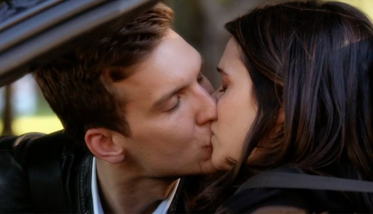 chasing life leo and april - first kiss