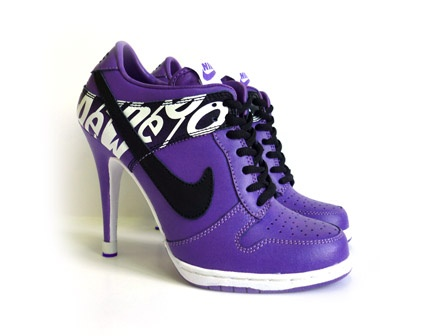 Are these for real?!?! If so...I want them!!Heels Purple, Running Shoes, Fashion Shoes, Nike Sb Dunks, Pink High Heels, Heels Shoes, Nike Heels, Purple Nike, Dunks High