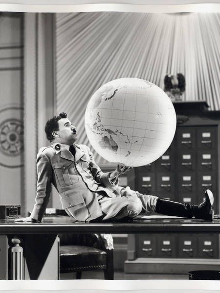 Charlie Chaplin : the great dictator