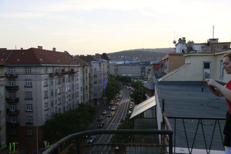 Kilátás a 7. emeletről a Margit körútra.