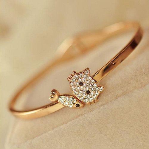 Stunning Alloy 18K Gold Diamond Sweety Style Women's Bracelet