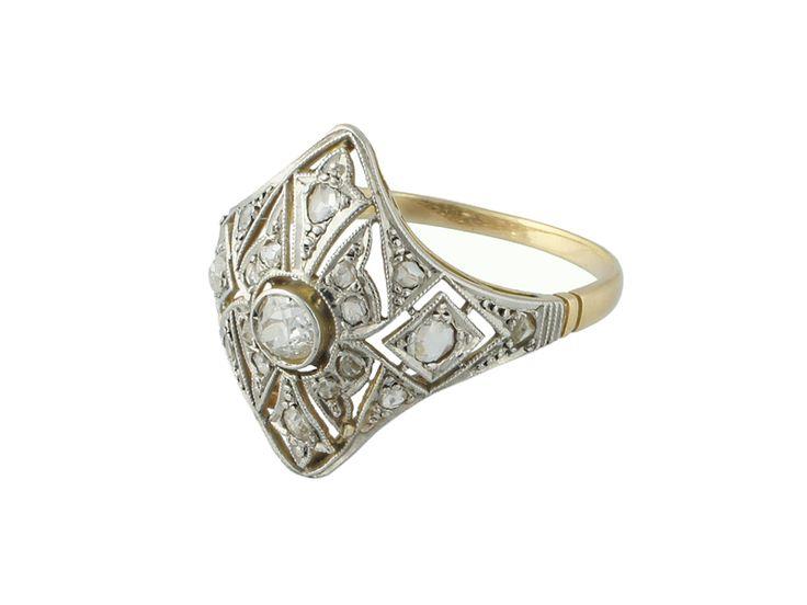 Anillo Art Deco en oro blanco y amarillo con diamantes