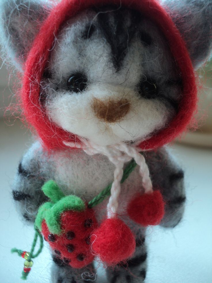 Handmade kitten in hat with strawberry bag
