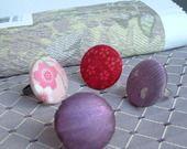 Bague Bouton recouvert de tissu Violet Rose Noir ... à la demande : Bague par la-tribu-des-bulles