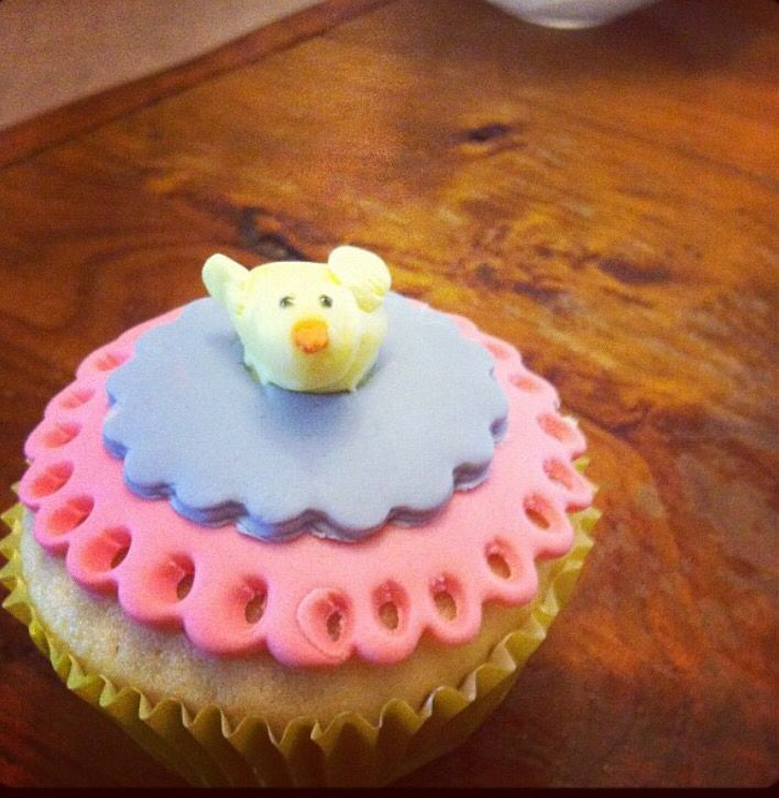 Easter cupcake by @stephabubbles
