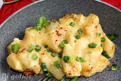 Di gotuje: Kopytka ze skwareczkami i jajkiem pod serową pierz...