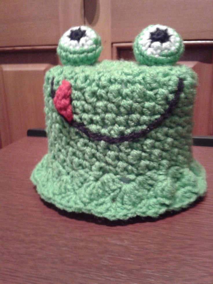 crochet green frog bathroom tissue cover crochet bathroom tissue cozy toilet paper roll cover. Black Bedroom Furniture Sets. Home Design Ideas