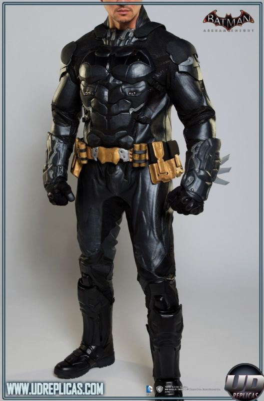 BATMAN™: Arkham Knight - Leather Motorcycle Suit  Image 3