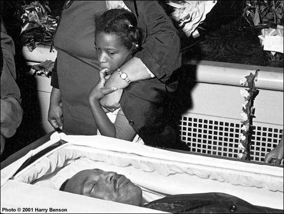 Harry Benson - Martin Luther King's Funeral, Atlanta, 1968