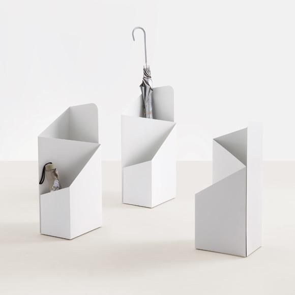 Via is an umbrella stand for full length umbrellas AND folding ones. In our experience that's extremely unusual. Hooray!