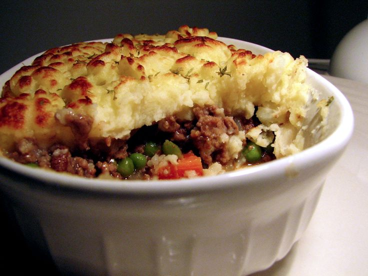 What could be better than a piping-hot Shepherd's Pie? Perfectly seasoned meat and vegetables topped with a rich layer of buttery mashed potatoes, baked until golden and delicious? www.eatwith.com