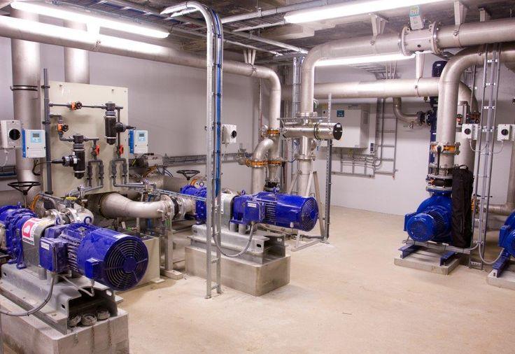 Pompen en UV desinfectie bij waterleidingbedrijf van Vitens op spannenburg