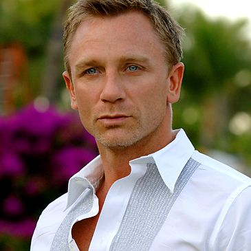 Daniel Craig.  He's so pretty