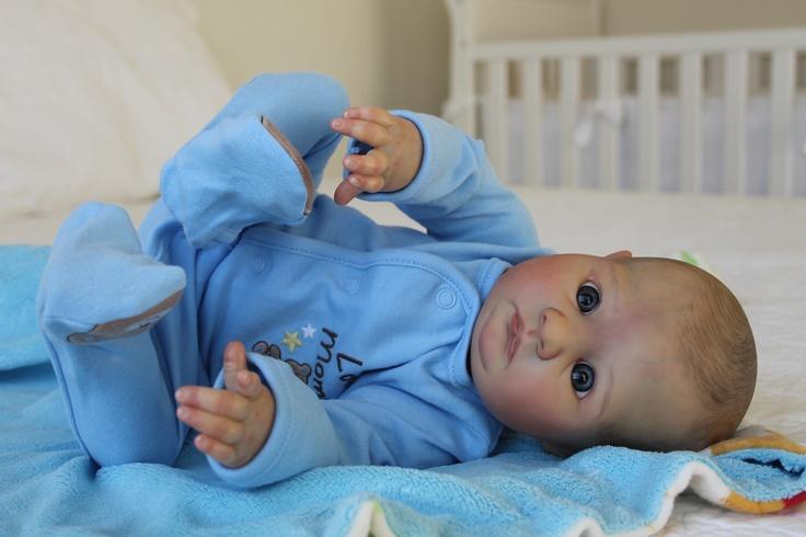 www.newbornlovenursery.blogspot.com