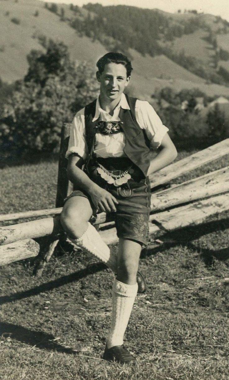 +~+~ Vintage Photograph ~+~+  Handsome young man wearing lederhosen ~ Germany