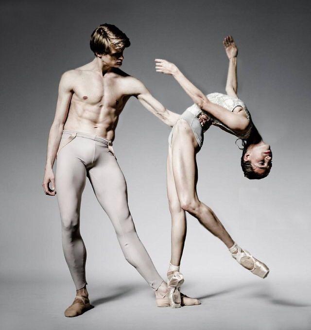 Chantal Chantijf & Clemens Froehlich - Stuttgarter Ballett - Photo Dean Barucija