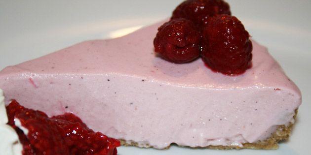 Kage med hindbærmousse