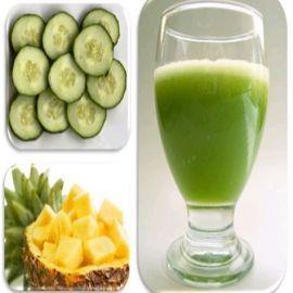 LICUADO PARA REDUCIR COLESTEROL DE PIÑA   Usar una piña entera y cortarla en trozos, igual cogemos 3 pepinos. Mezclar todo con 3 vasos de agua mineral.  Licuarlo bien  y tomar un vaso en ayunas por la mañana, otro antes del almuerzo y lo mismo antes de la cena. Este licuado natural, además de reducir el colesterol , es desintoxicante, y ayuda a limpiar los riñones por su propiedad diurética.
