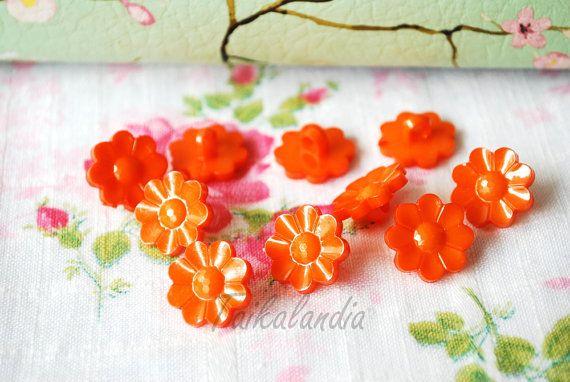 Orange Flower Buttons 20 Pcs, Flower Shank Buttons, 15mm Button, Bright Orange Buttons, Flower Shaped Buttons, Craft Buttons, Orange Flowers