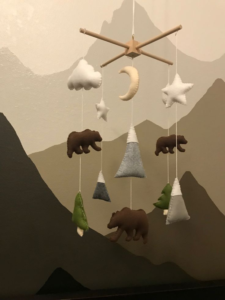 Bear and mountains mobile- Child cellular bear- Bear cellular