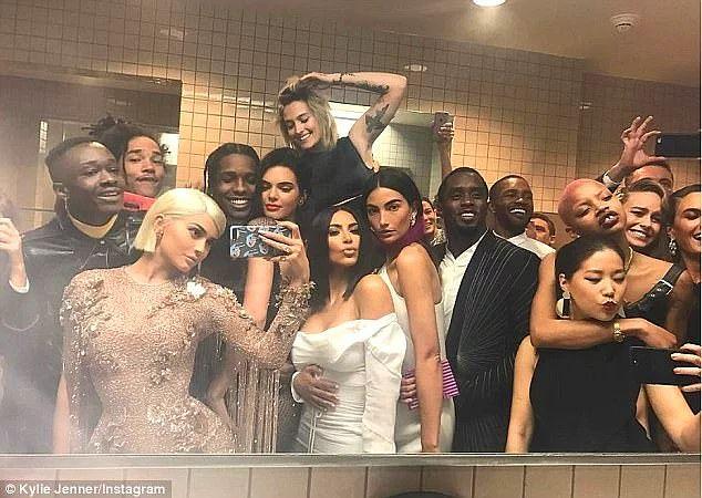 Kardashianlarda ayrılıklar fazla gözyaşına sebep olmuyor çünkü rapçi erkek arkadaşlar adeta sıraya girmiş gibi!