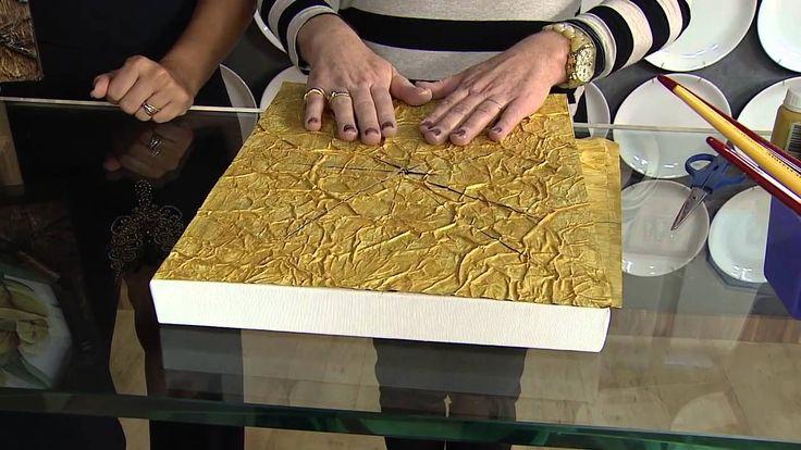 A artesã Dolores Macagnani veio ao Vida Melhor e nos ensinou essa técnica muito linda para molduras para quadro com jornal envelhecido! muito lindo, parece m...