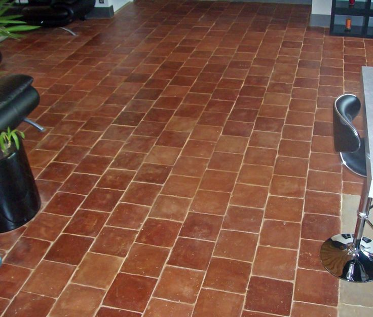 1000 id es sur le th me terracotta floor sur pinterest for Carrelage terre cuite provence