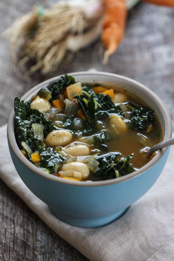 Smoky Kale & Bean Soup -- guaranteed you'll slurp up every last spoonful! {clean eating, gluten free}
