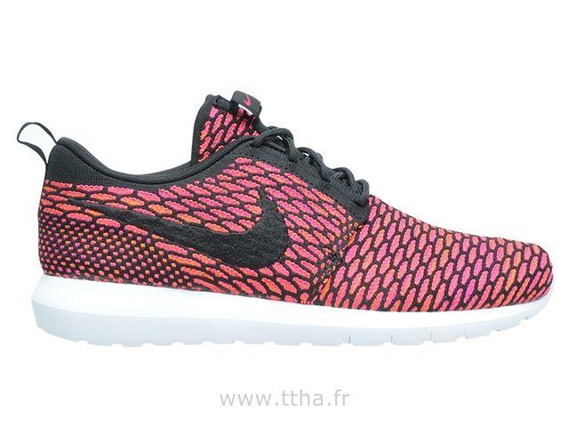 Nike Flyknit Roshe run Noir / Gris Roshe Run Femme Rose   www.nikes.fr nike  roshe run roshe run nike roshe run femme nike roshe run homme   Pinterest  ...