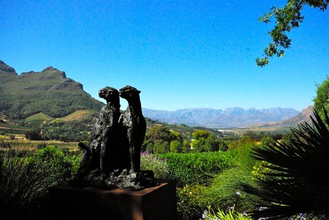Welcome to Cape Town Located in Cape Town's trendy suburb of Green Point, DysArt is a 5-star Boutique Hotel offering luxurious and stylish accommodation. The small Hotel has 10 rooms and is just minutes from the V&A Waterfront and De Waterkant. There are 2 elegant pool areas, perfect spots to enjoy the warm