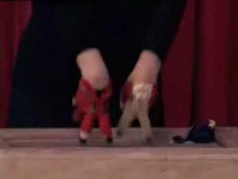 michael jackson - thriller..  fingers dance thriller- coreografia con le...