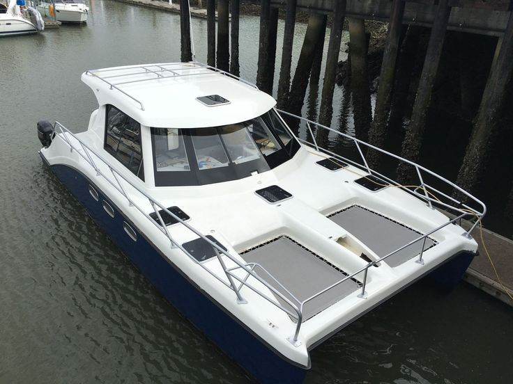 ArrowCat Offshore Power & Fishing Catamarans - 32, 34 and 42'. Quality built boats, perfect for taking your family fishing, cruising, adventures and diving.