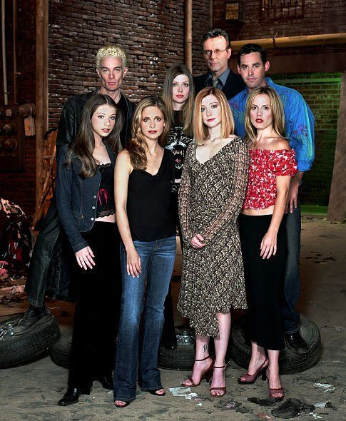 Sarah Michelle Gellar, Alyson Hannigan, Michelle Trachtenberg, Amber Benson, Nicholas Brendon, Emma Caulfield, Anthony Head and James Marsters in Buffy the Vampire Slayer