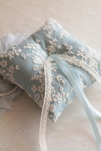 花嫁さんを幸せにするおまじない♡「サムシングブルー」で作る手作りリングピローまとめ♡にて紹介している画像