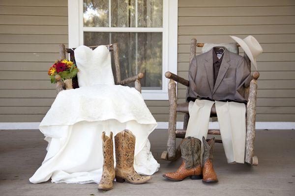 farm wedding inspiration, photo by Maria Leinen