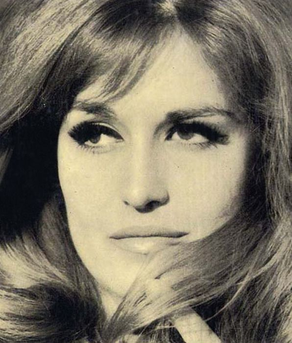 """Dalida"" Lolanda Cristina Gigliotti (1933-1987) was born in Choubra, Cairo, Egypt, to Italian (Calabrian) parents, and spent her early years in the Italian Egyptian community of Cairo, but she lived most of her adult life in France.was a Franco-Italian singer and actress who performed and recorded in more than 10 languages including: Arabic, Italian, Greek, German, French, English, Japanese, Hebrew, Dutch and Spanish. at the age of 20, Dalida won and was crowned Miss Egypt."