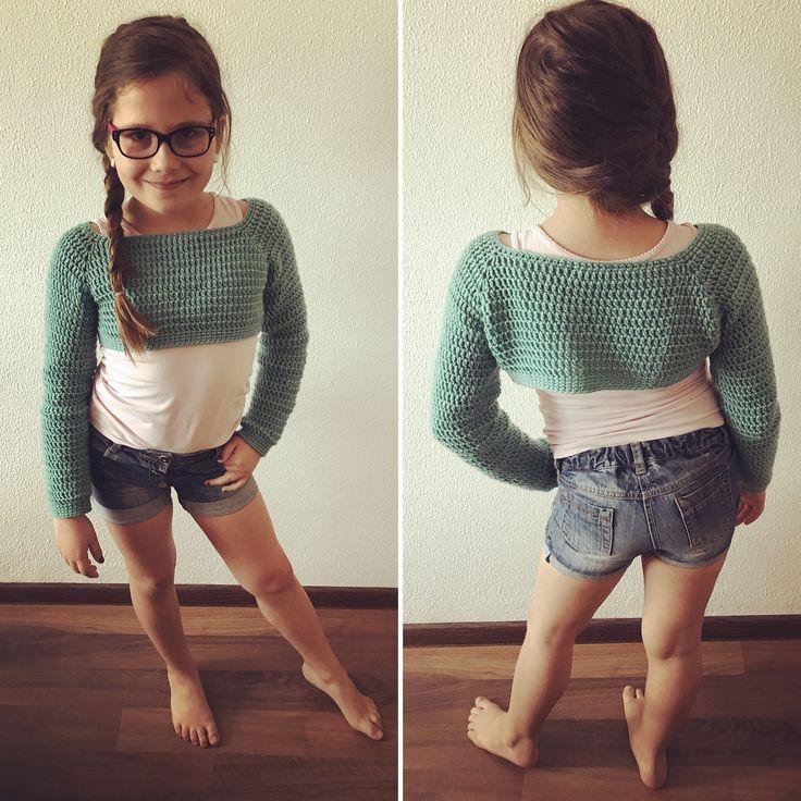 Krátký háčkovaný svetr