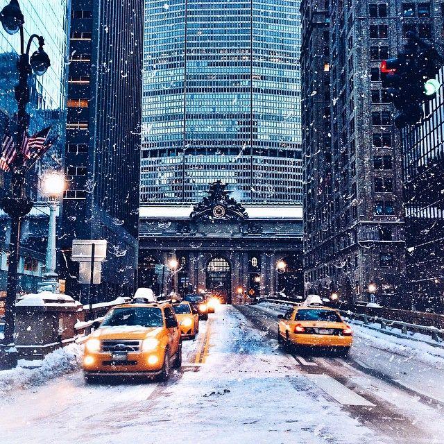 It's the holiday season in New York City! #NYC http://www.nyhabitat.com/