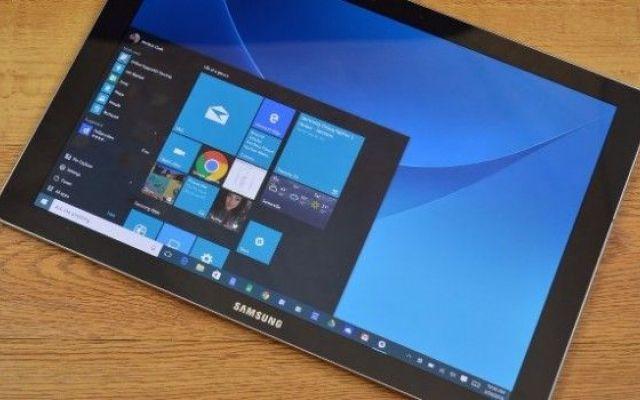 Ecco il nuovo 2 in 1 coreano, il Samsung Galaxy TabPro S Di primo impatto, può sembrare strano che Microsoft aiuti Samsung a produrre un device del genere quando ha già commercializzato, di prima persona, i SurfaceBook ed il Surface Pro 4. Però, va detto c #samsung #tablet