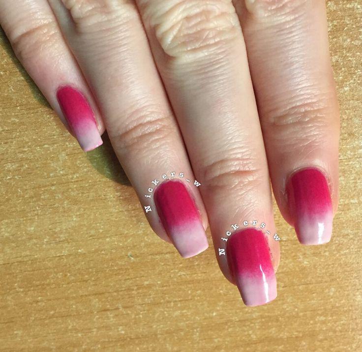 Gradient / ombré nails