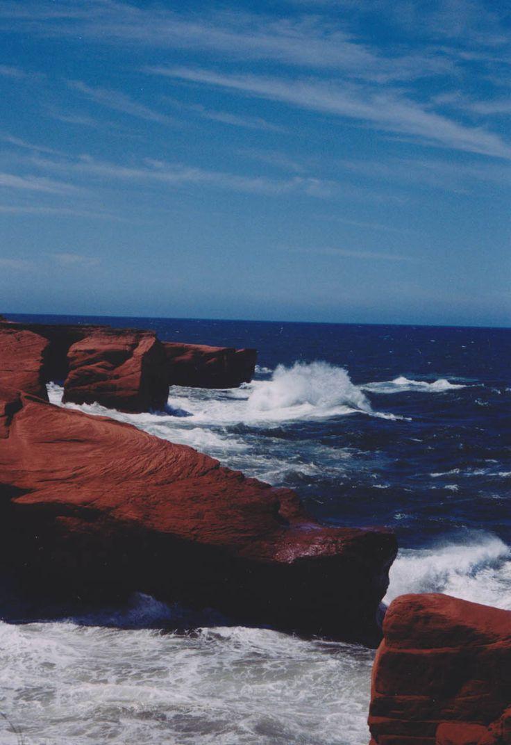 Les Îles-de-la Madeleine, île du Cap aux Meules, L'Étang-du-Nord, chemin du Phare, entre l'Étang-du-Nord et Fatima, jour de mer.